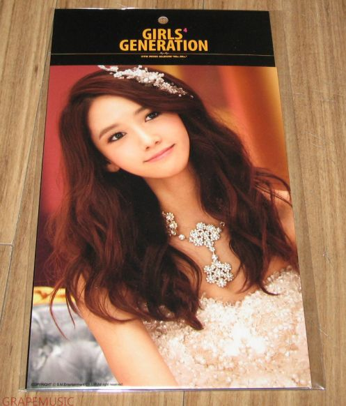 YOONA PHOTOCARD TYPE A